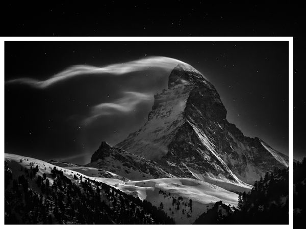 matterhorn-full-moon-cloud-trails_60409_600x450 copy